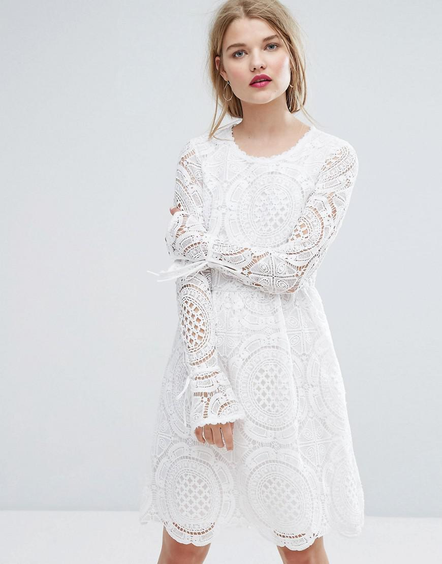 250256adacd Vila Premium Cutwork Lace Fluted Sleeve Smock Dress in White - Lyst