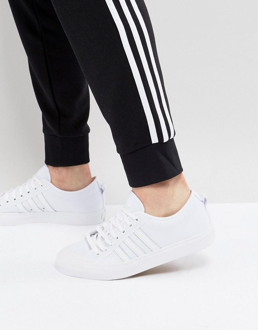 adidas Nizza Lo Sneakers In BZ0496 3y5oh