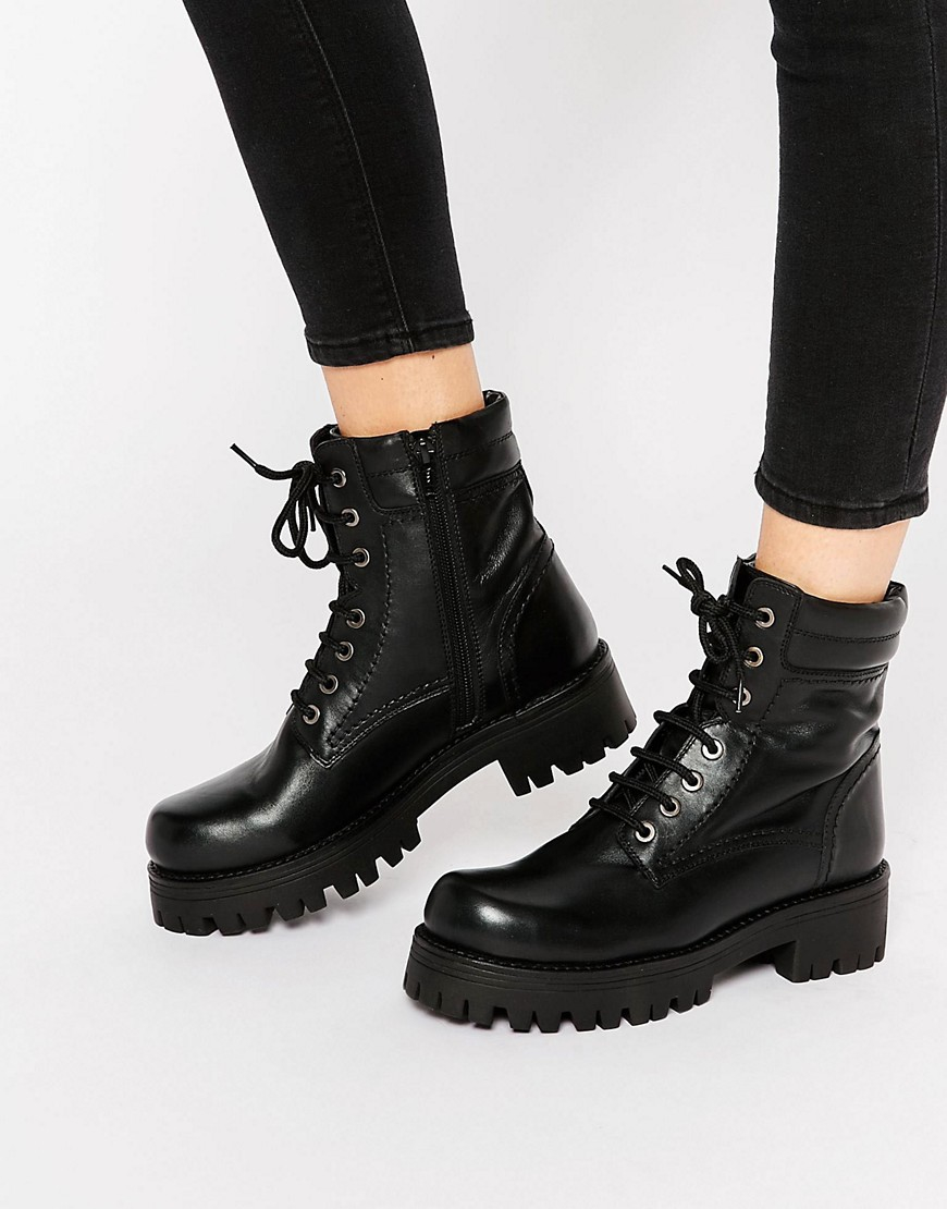 Shop for women's ankle boots at ASOS. Browse our stylish collection of flat and heeled booties, and find your staple pair. your browser is not supported. ASOS DESIGN Acolade premium leather chunky biker boots. $ ASOS DESIGN Ark chunky cut out boots. $ Dr Martens Wincox Black Leather Harness Chunky Chelsea Boots. $