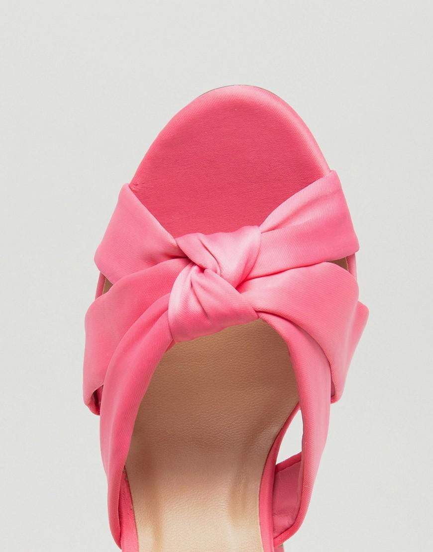 c840bfb7471 Lyst - New Look Satin Wrap Around Block Heeled Sandals in Pink