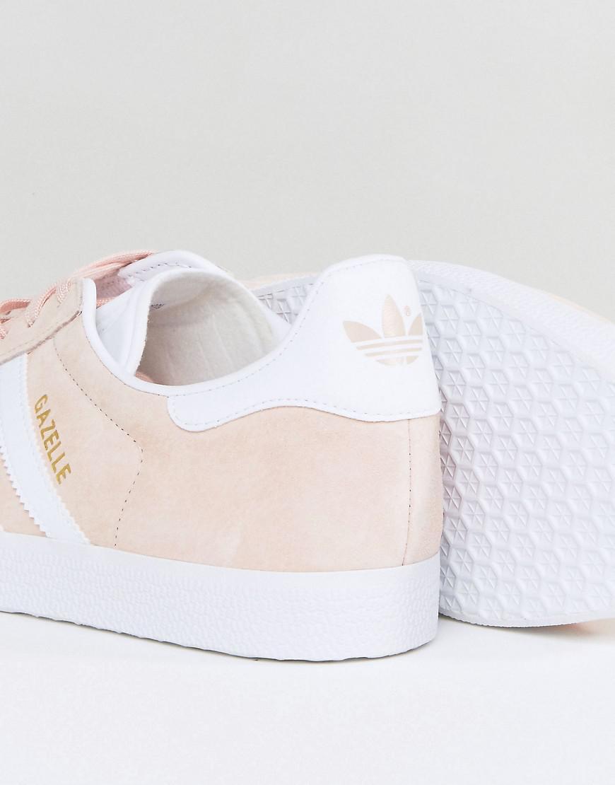 lyst adidas originali gazzella scarpe rosa bb5472 in rosa