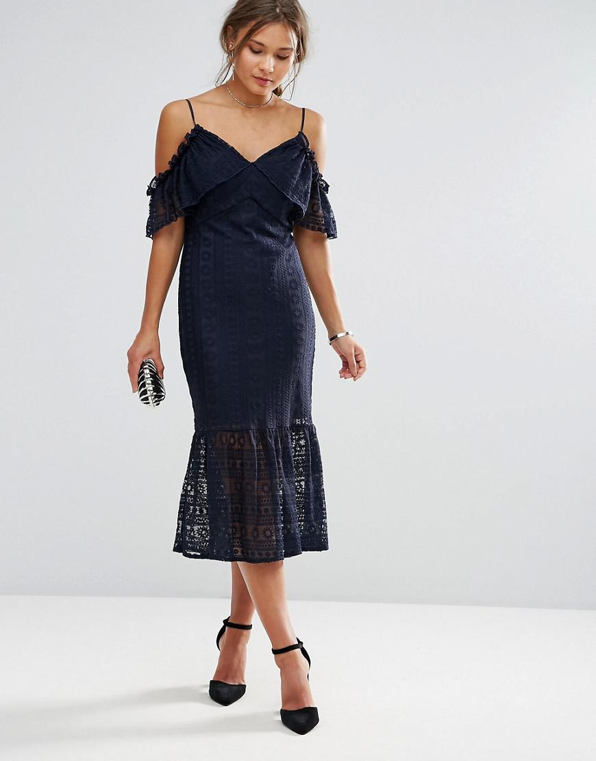 85b3774f544 Liquorish Cold Shoulder Lace Midi Dress in Blue - Lyst