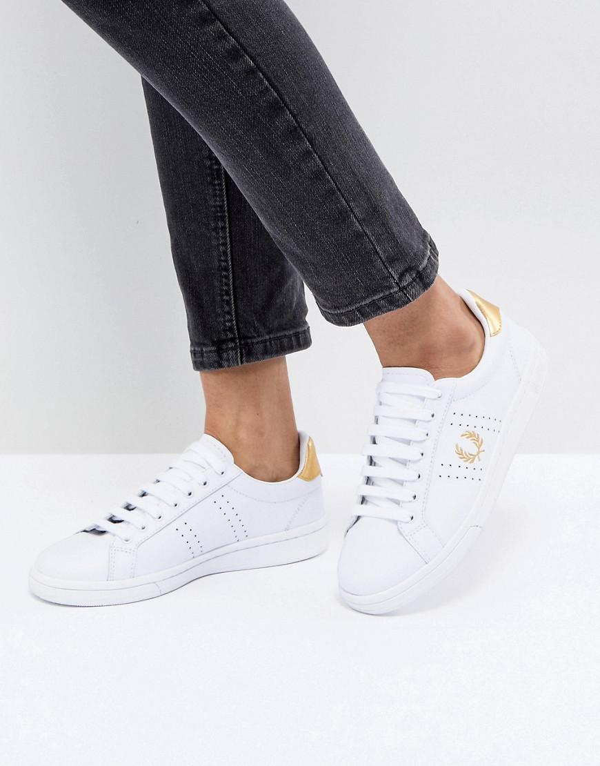 Fred Perry Lace Up Sneakers With Patent Trim JTlNh00c1