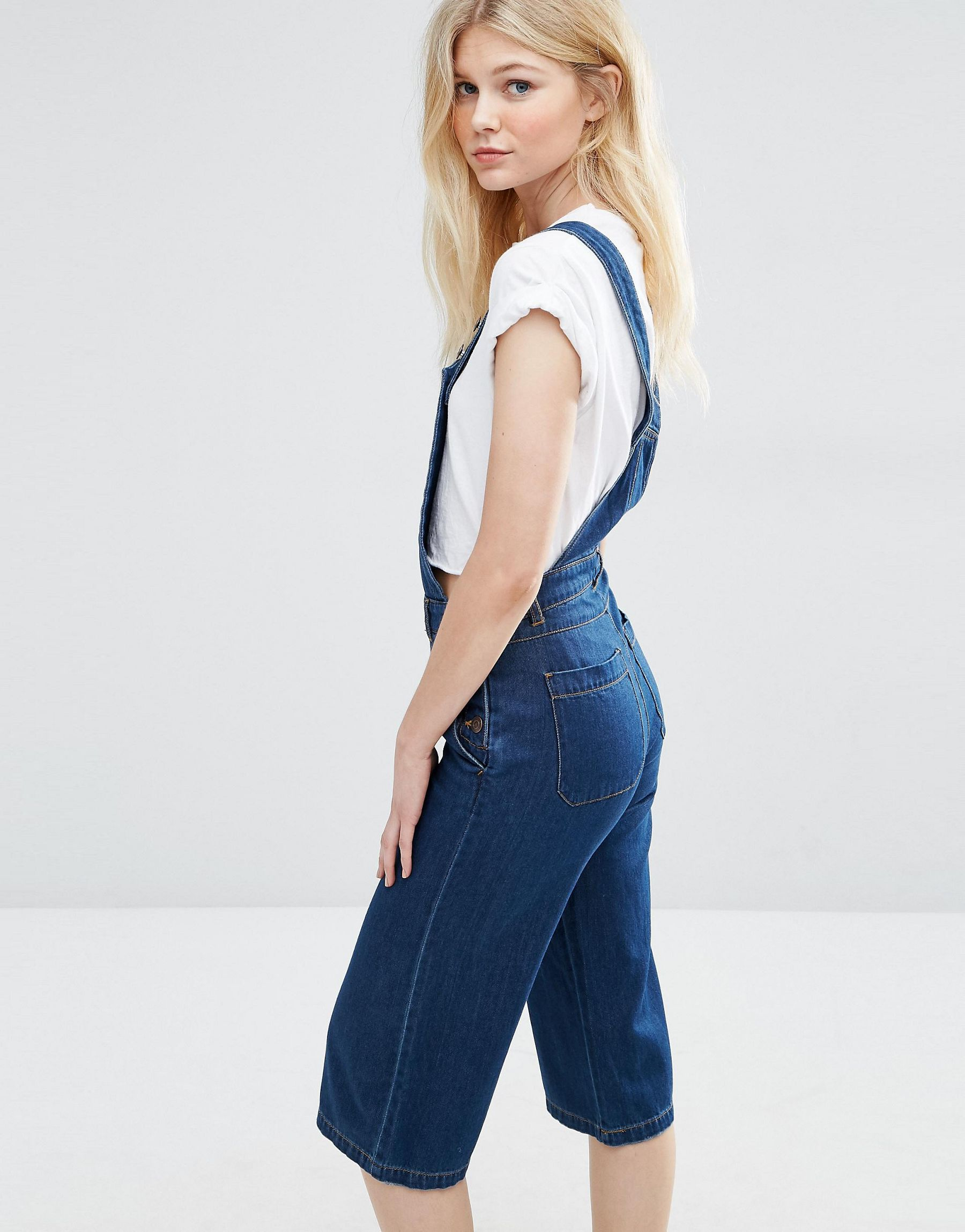 vero moda denim cropped dungaree jumpsuit in blue lyst. Black Bedroom Furniture Sets. Home Design Ideas