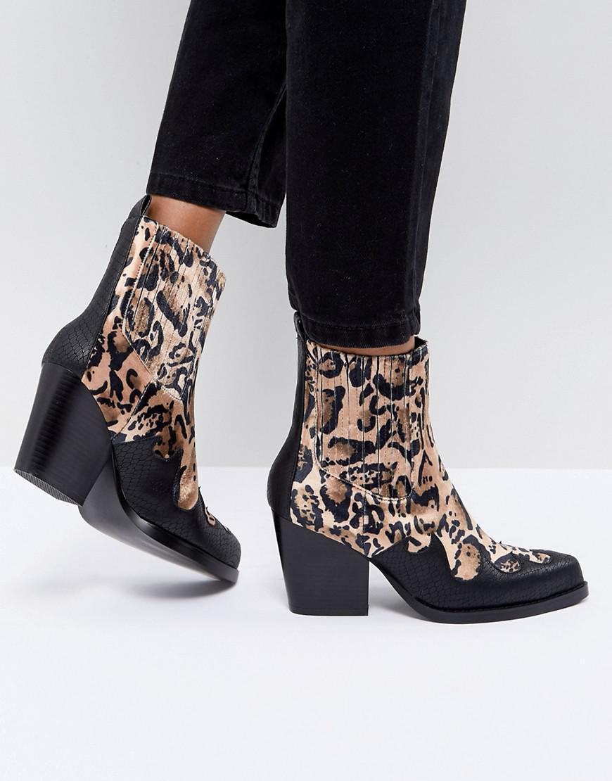 PRETTYLITTLETHING Western Sock Boot