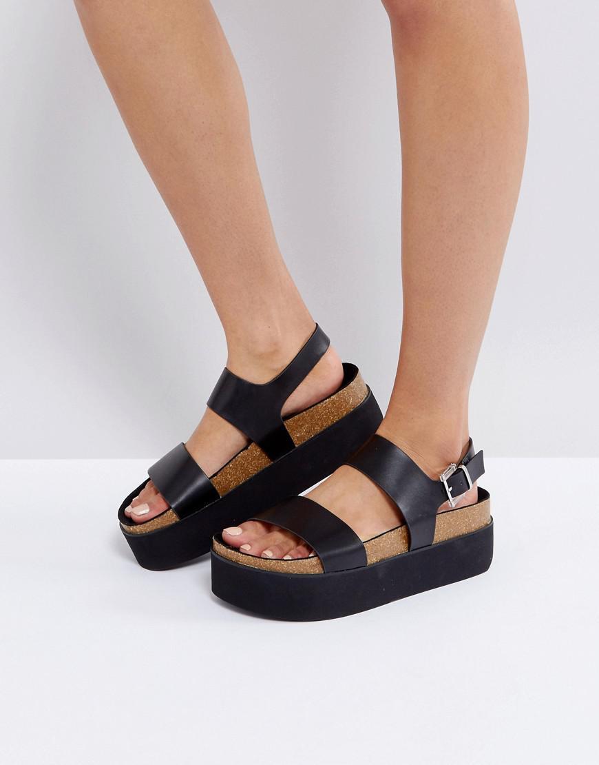 f1e1cb42859 Lyst - Bershka Strap Front Flatform Sandal in Black