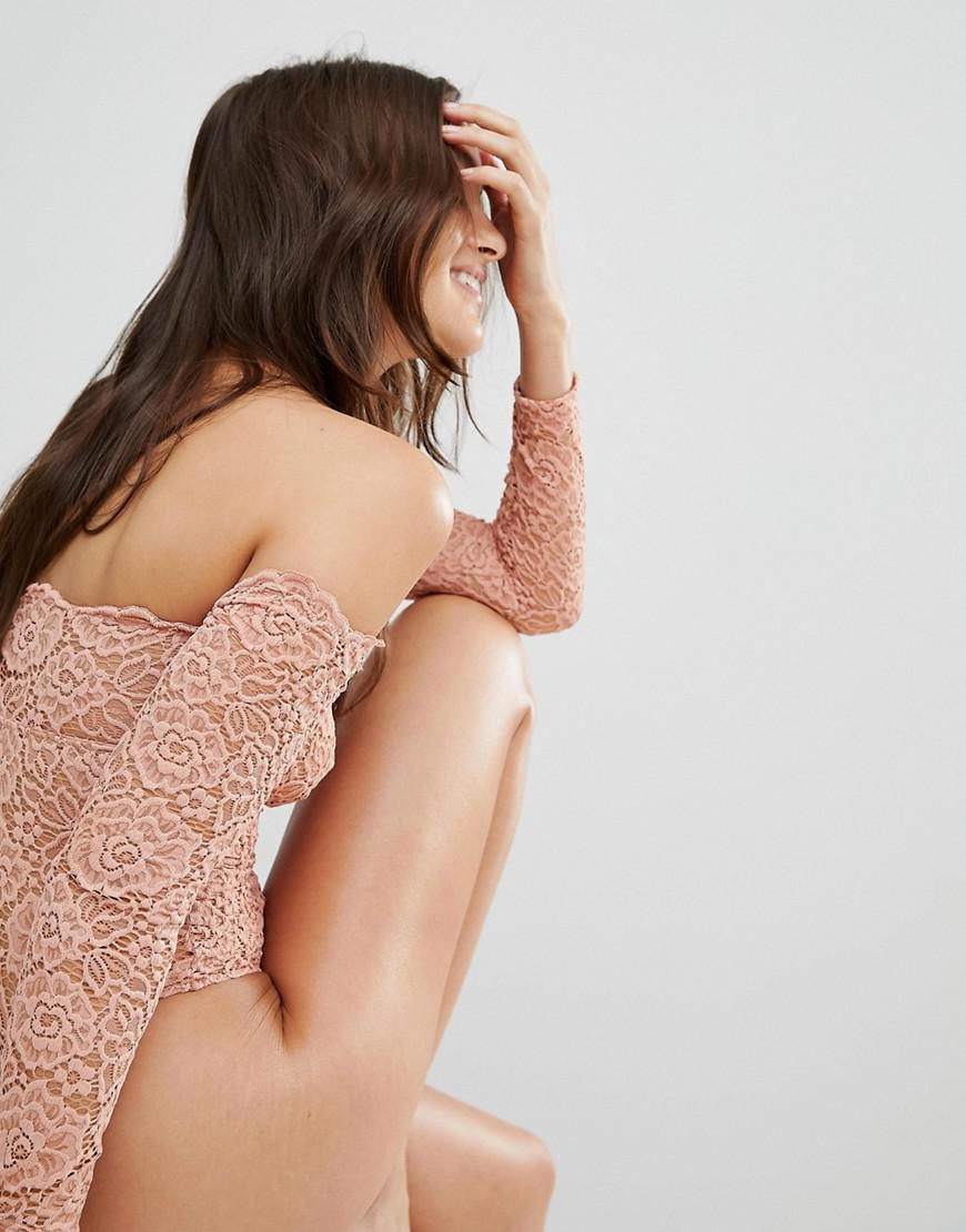 ff121472a4 ASOS Asos Lex Premium Lace Long Sleeve Off Shoulder Bodysuit in Pink - Lyst