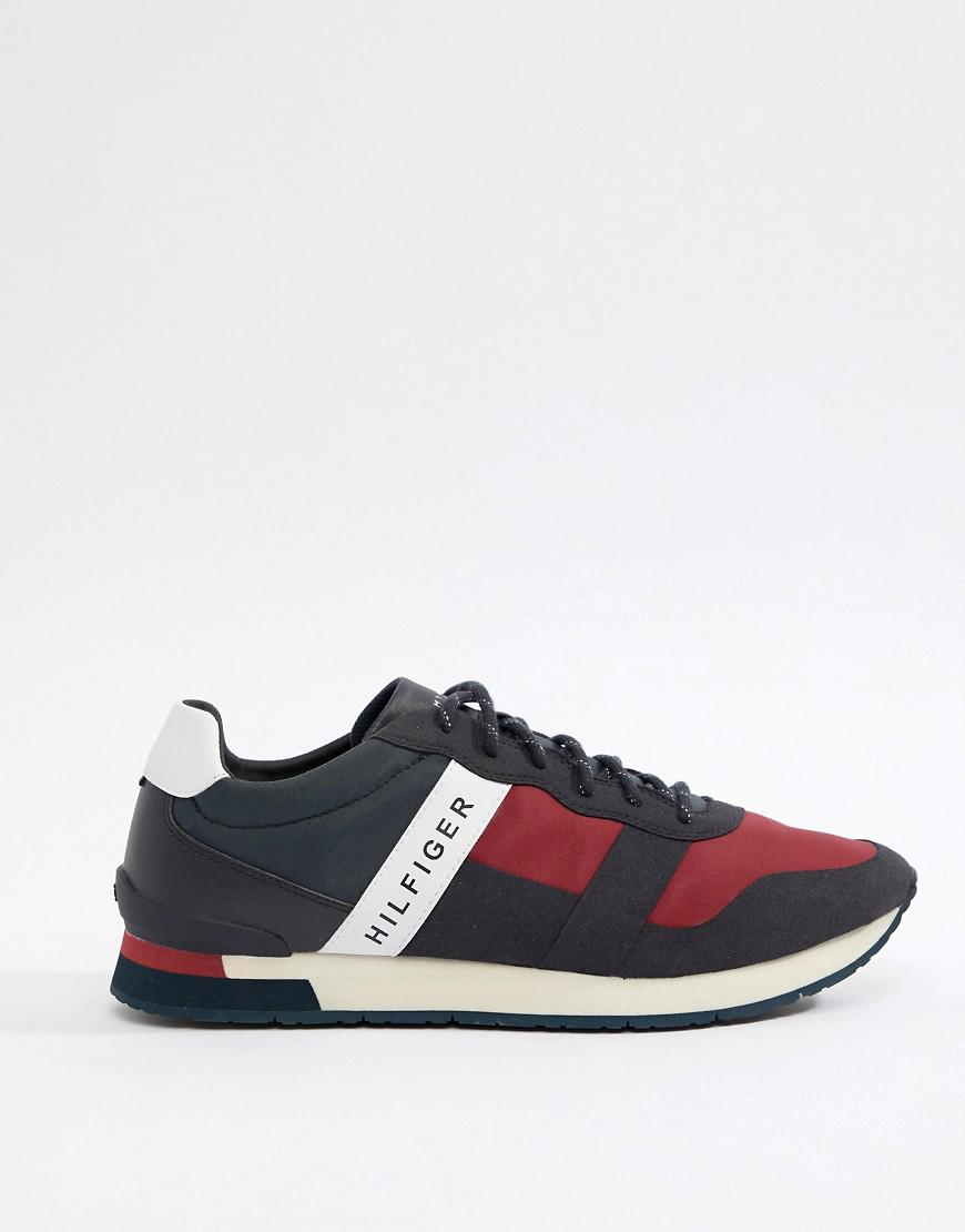 Tommy Hilfiger Tonal Logo Suede Mix Runner Sneakers in pbHV8
