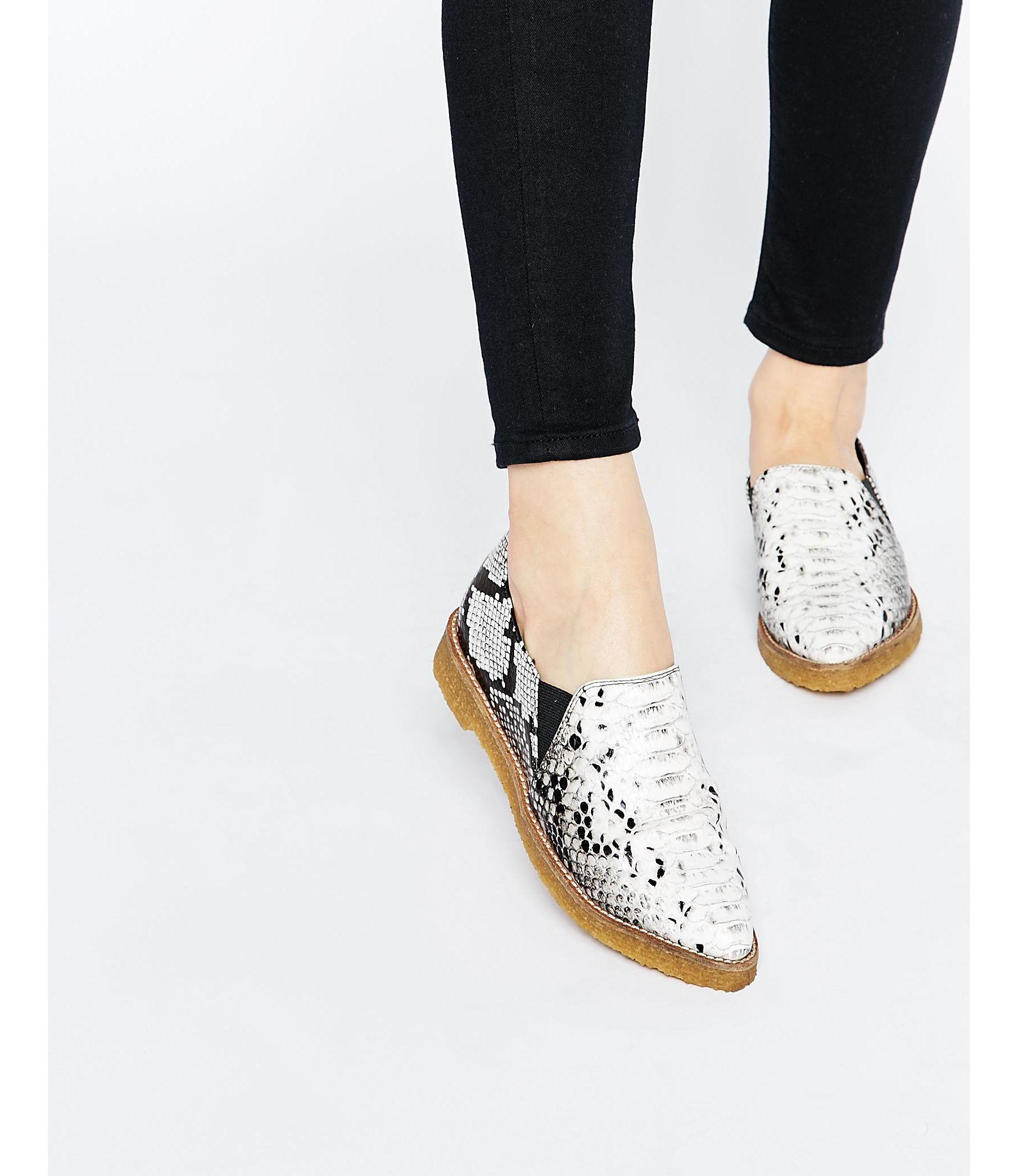 Aetrex Flat Shoes Canada
