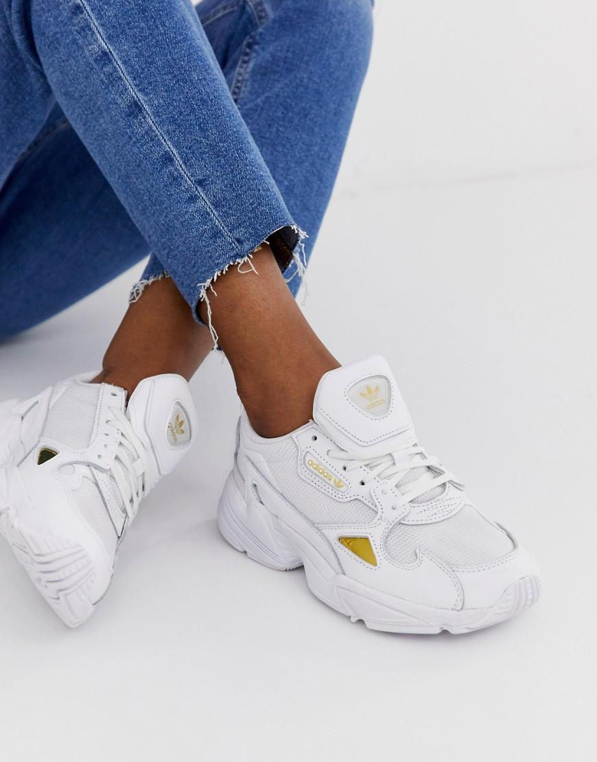 abe4680dc397a7 adidas Originals Falcon Sneakers In White And Gold in White - Lyst
