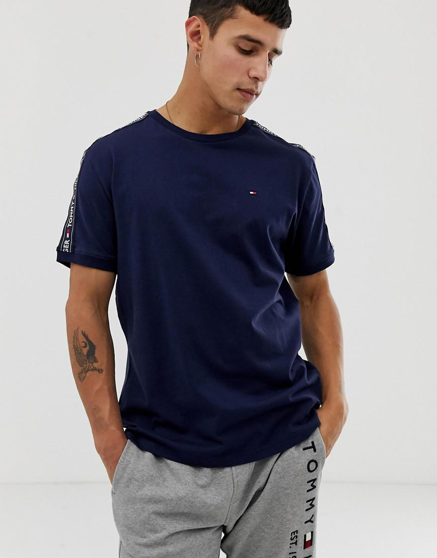 aa54d339 Tommy Hilfiger Authentic T-shirt Side Logo Taping In Navy in Blue ...