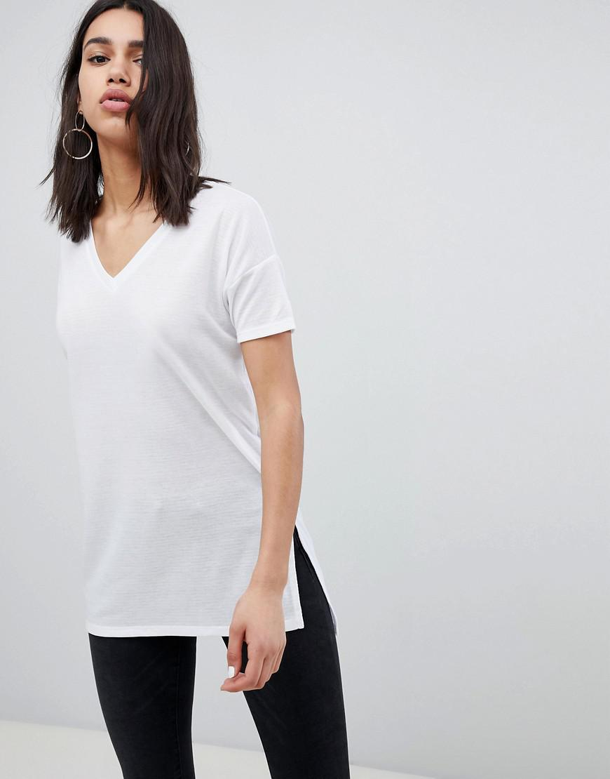 e10774c4509fd1 Lyst - ASOS Oversized Longline T-shirt With V-neck In Lightweight ...