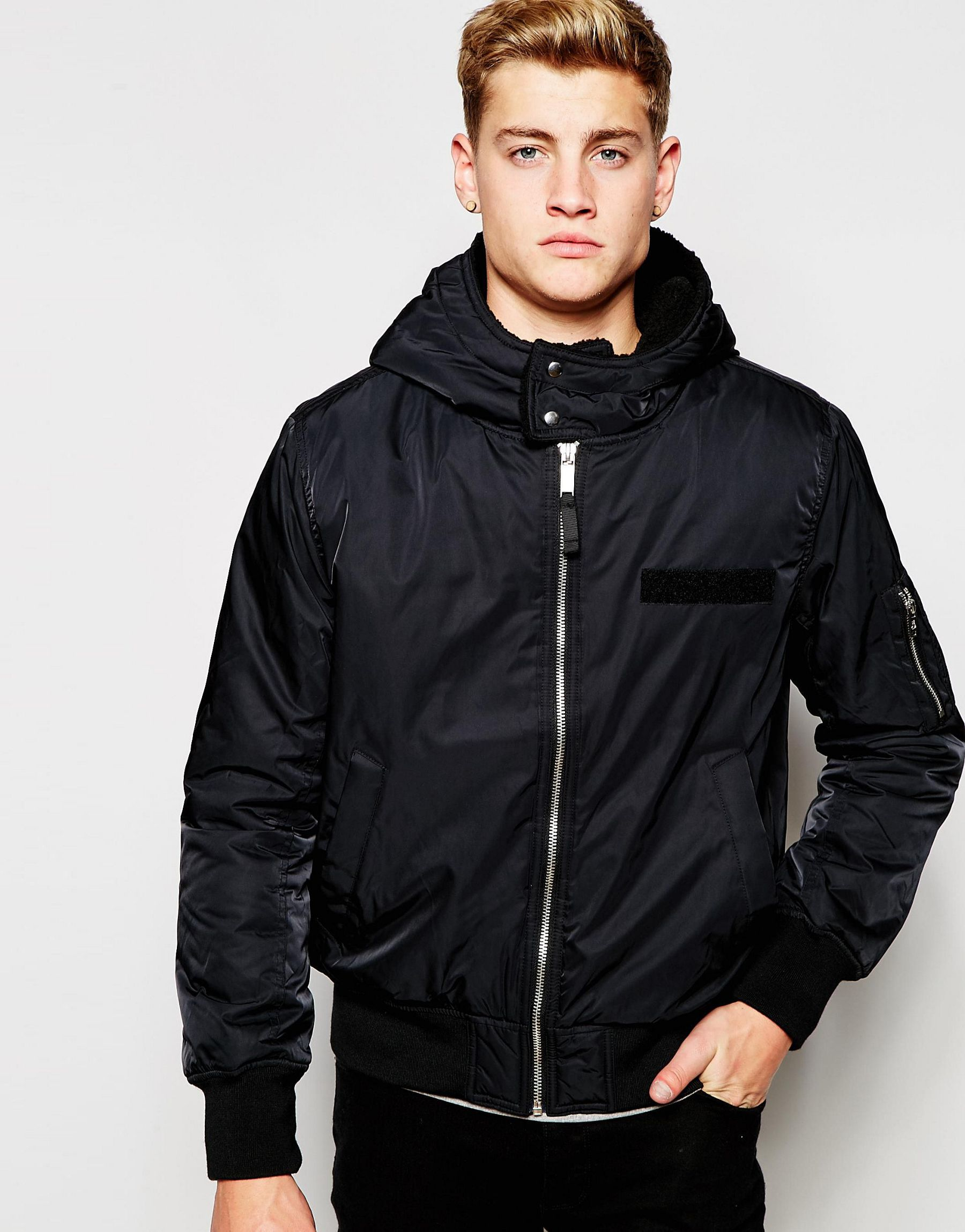 Feel like a hero for less with mens bomber jackets at discount prices from MandM Direct Ireland. Originating from the US military in the s, the bomber jacket has become a fashion staple. Choose from a selection of letterman jackets, hooded jackets and .