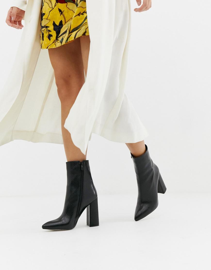 cfe73d88fbab Prettylittlething Faux Croc Block Heel Boots In Black in Black - Lyst