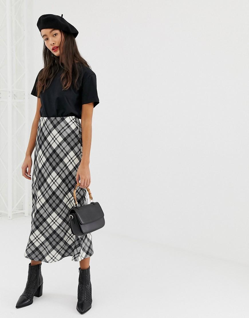 d0c30b3f2c Lyst - New Look Midi Skirt In Check in Black
