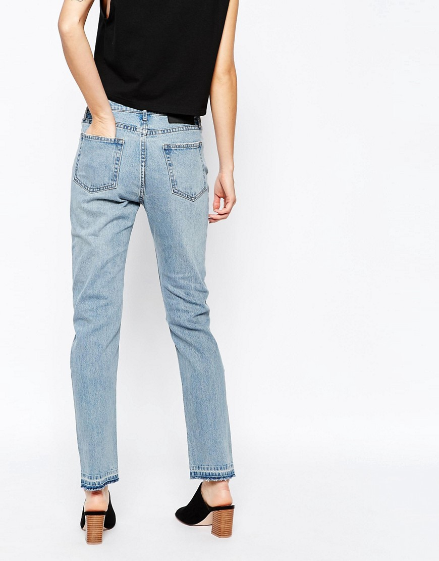 Get that stylish, relaxed denim look you love without having to borrow your guy's jeans by shopping women's boyfriend jeans at Gap. Boyfriend Style Jeans for Women Choose comfort, quality and unbeatable appeal with boyfriend jeans for women from Gap.