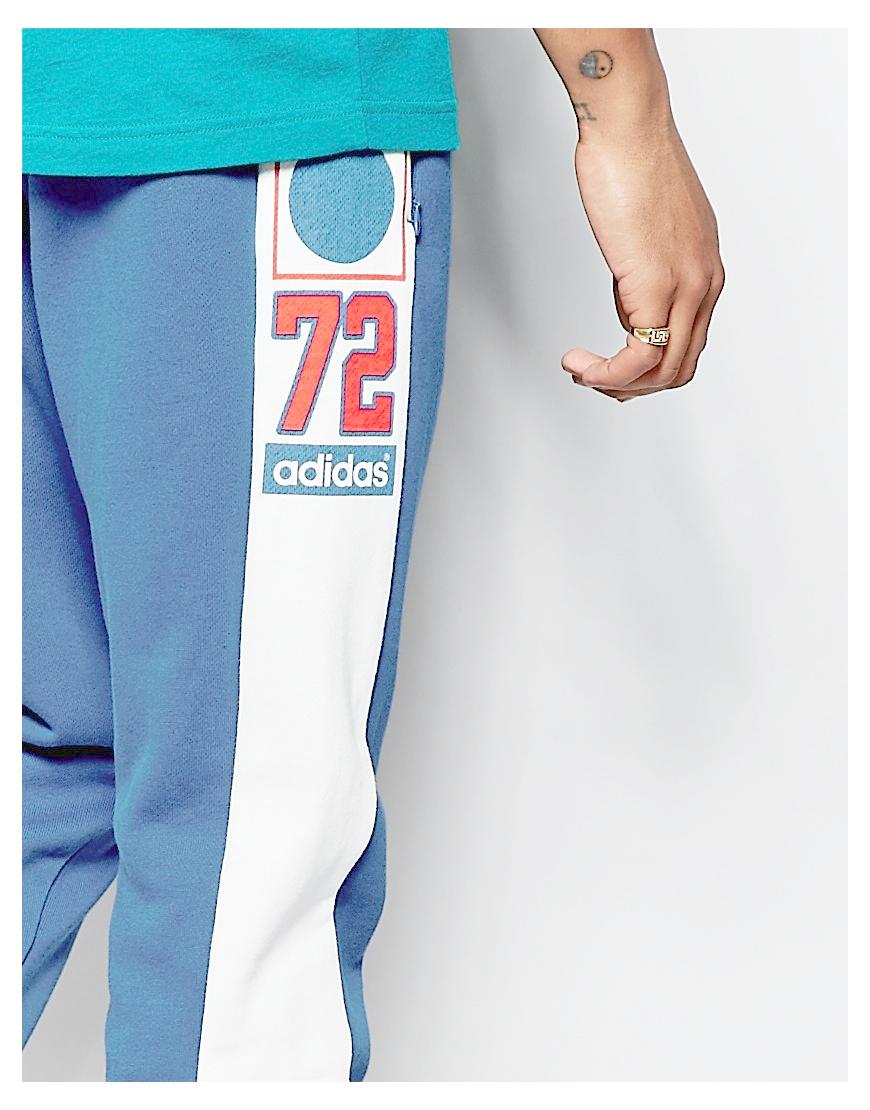 Adidas Originals corredores con grafica estampada aj7280 Azul en azul