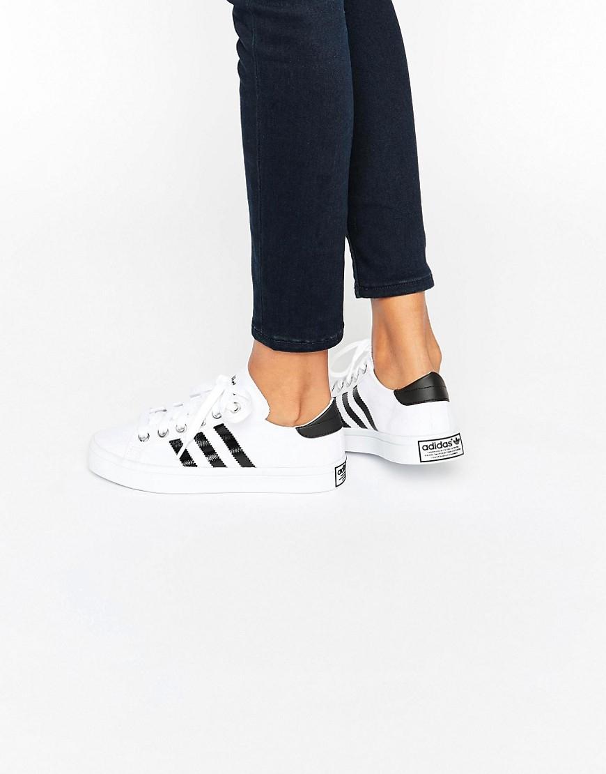 online store ac70c 53bc7 Lyst - adidas Originals Originals White And Black Court Vant