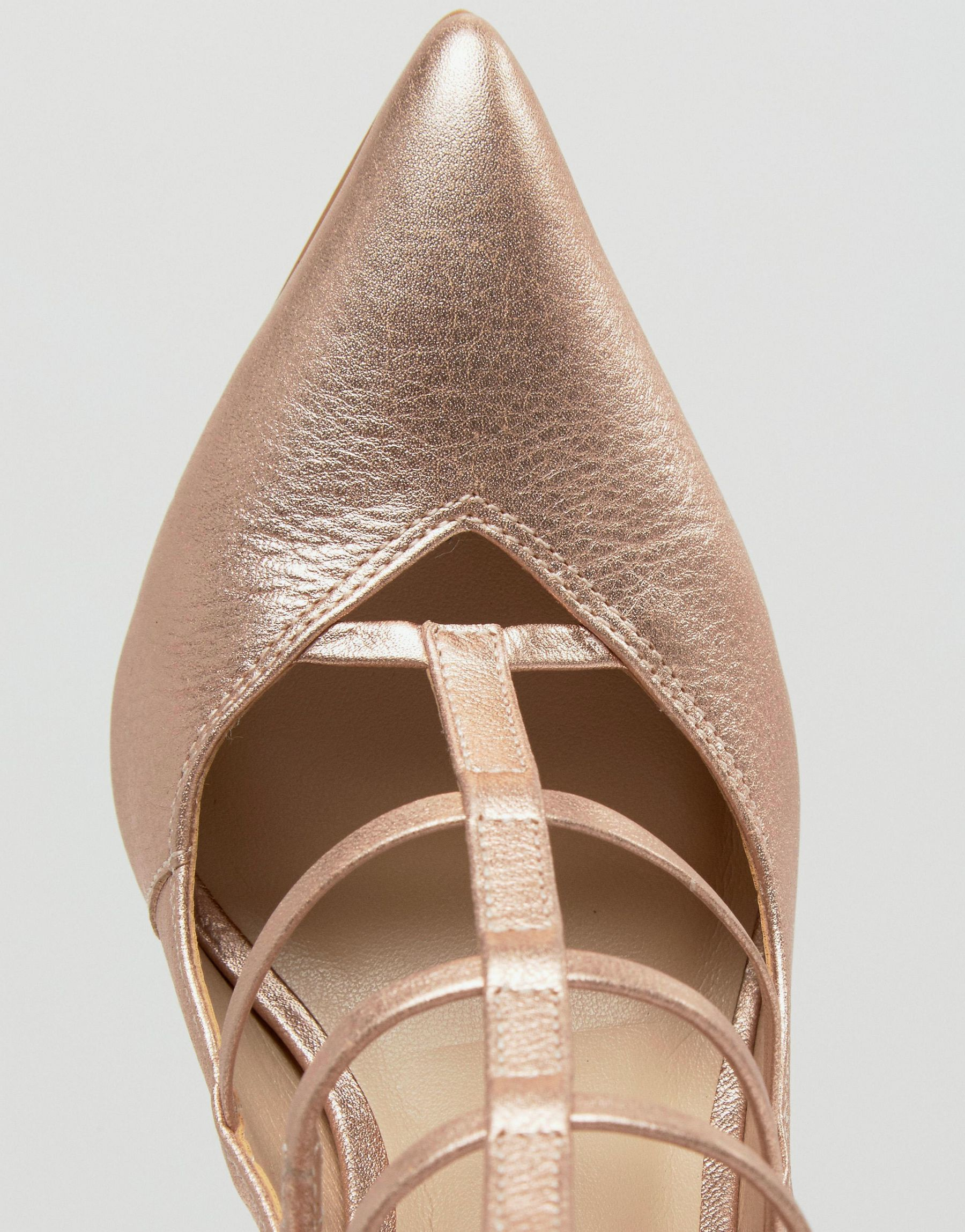 6a989181fd2 Lyst - Steve Madden Teve Madden Prazed Caged Court Shoes in Natural