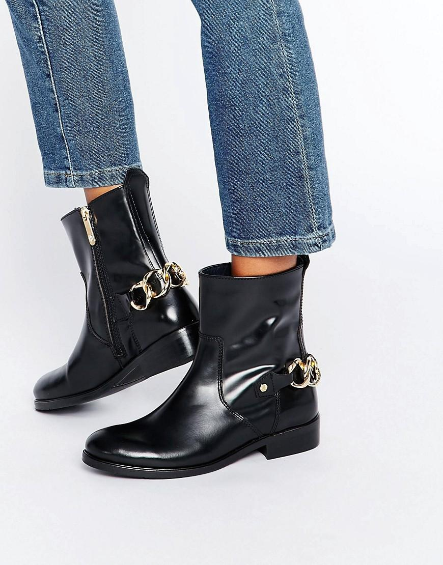 f1798c1a5ffc Tommy Hilfiger Polly Chain Ankle Boots in Black - Lyst
