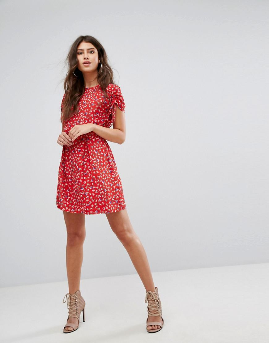 Floral Tea Dress - Red Prettylittlething Cheap Sale Sneakernews Buy Cheap Find Great Affordable Cheap Price Cheap Sale Discounts Cheap Sale Fake cPrjl0UF