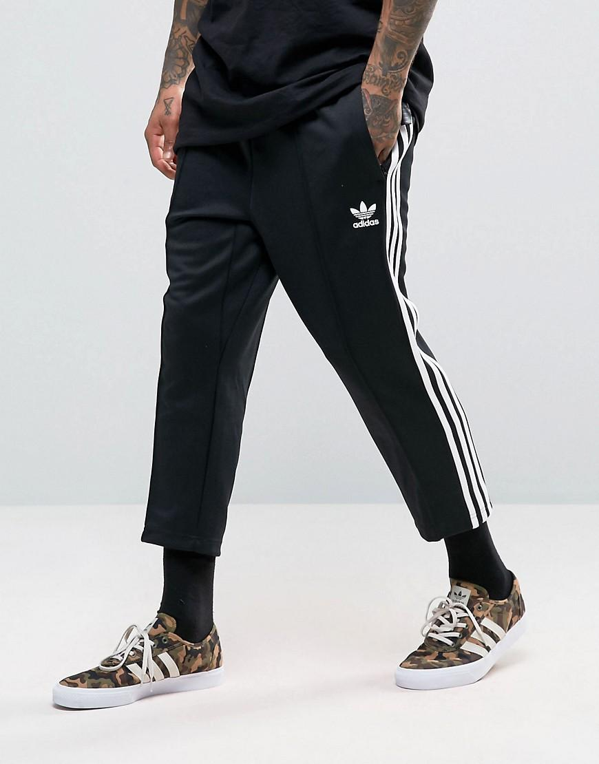 adidas originals sst relax cropped joggers in black bk3632. Black Bedroom Furniture Sets. Home Design Ideas