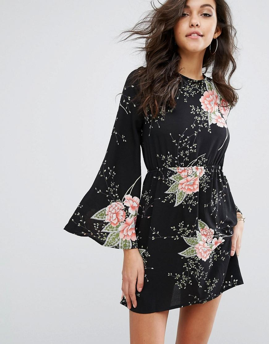 Prettylittlething Fluted Sleeve Floral Smock Dress In