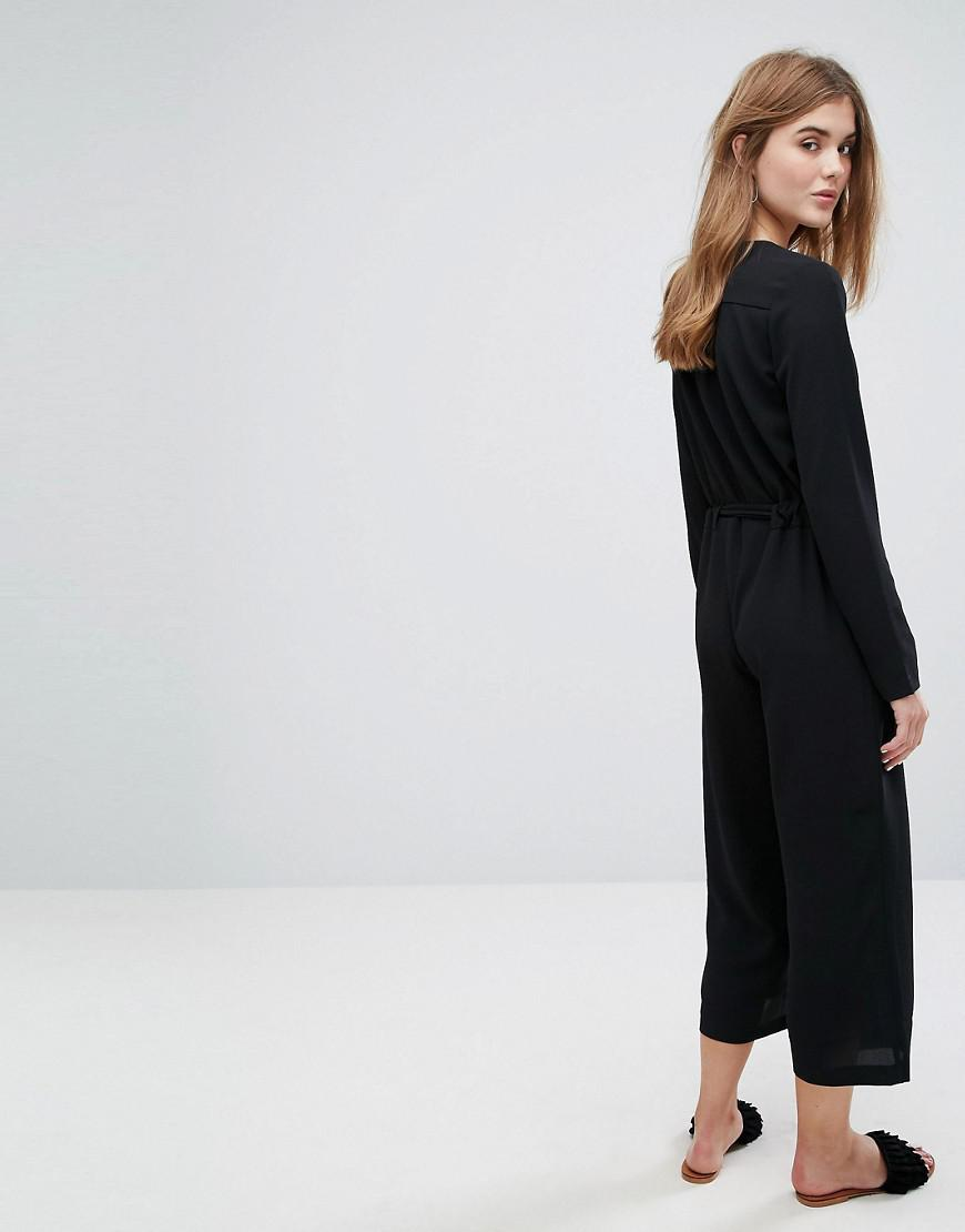 7c9552c2996 Lyst - Vila Tie Waist Jumpsuit in Black