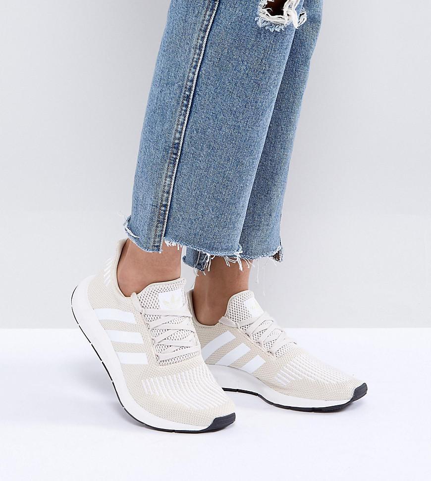 on sale aaef0 591b3 adidas Originals Originals Swift Run Trainers In Cream With White ...