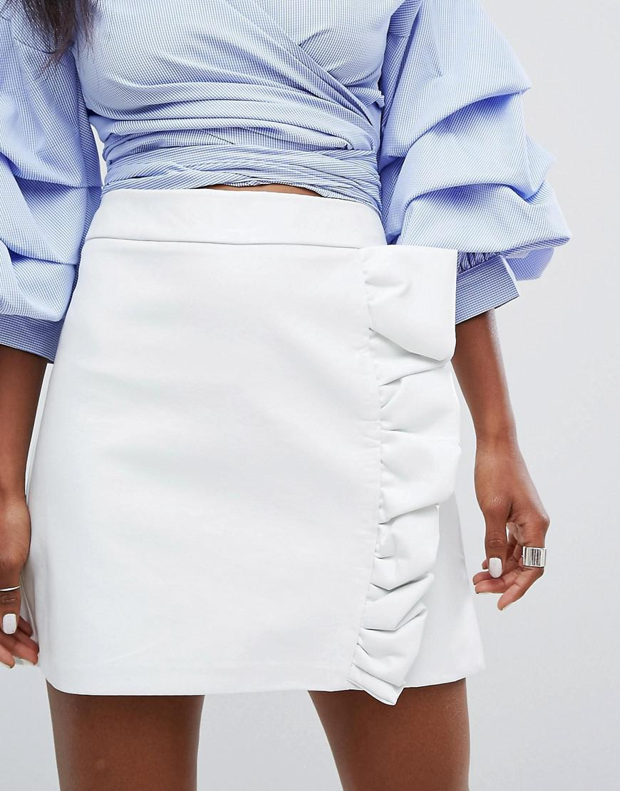 6b5f677ca PrettyLittleThing Frill Front Leather Look Skirt in White - Lyst