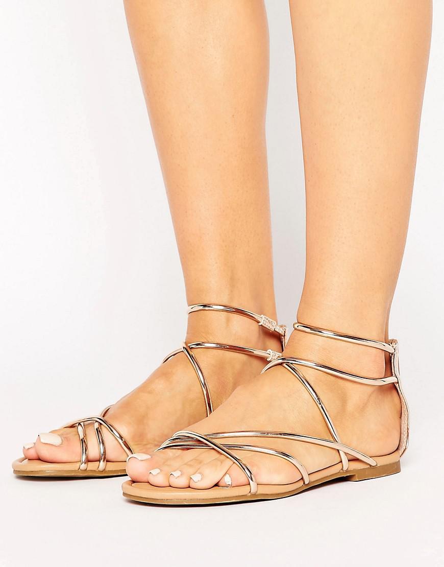 11ddbbfcbcb Lyst - Steve Madden Sapphire Rose Gold Strappy Flat Sandals in Metallic