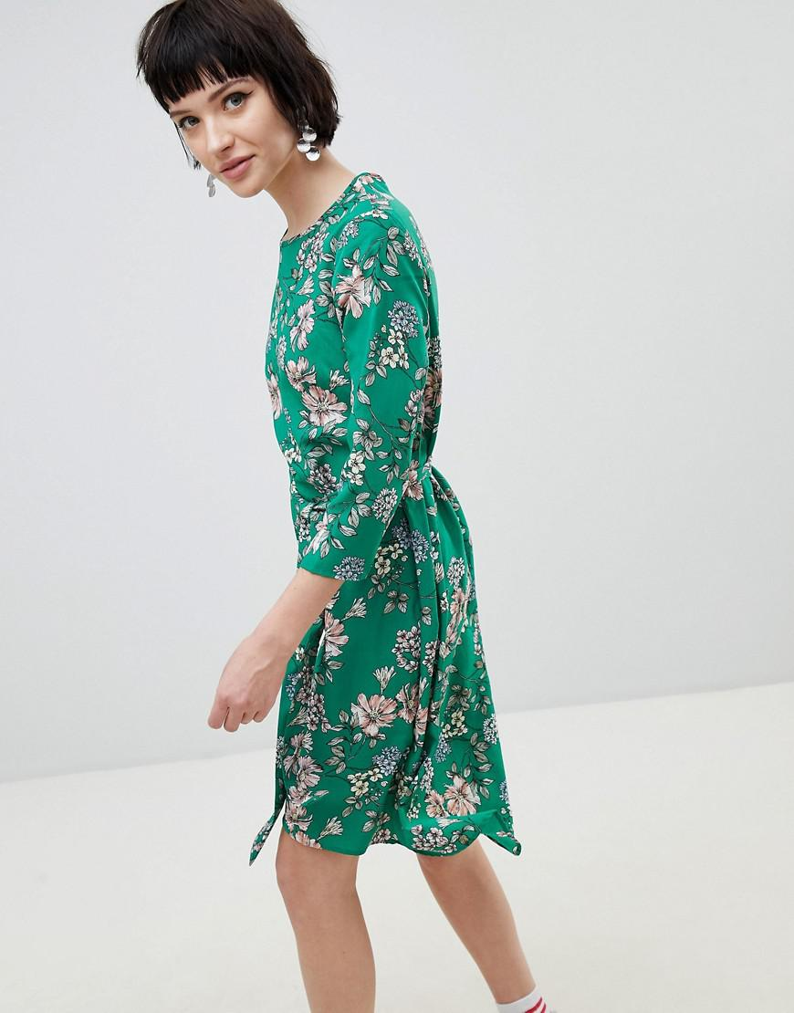 a836b8c577 New Look Floral Midi Dress in Green - Lyst