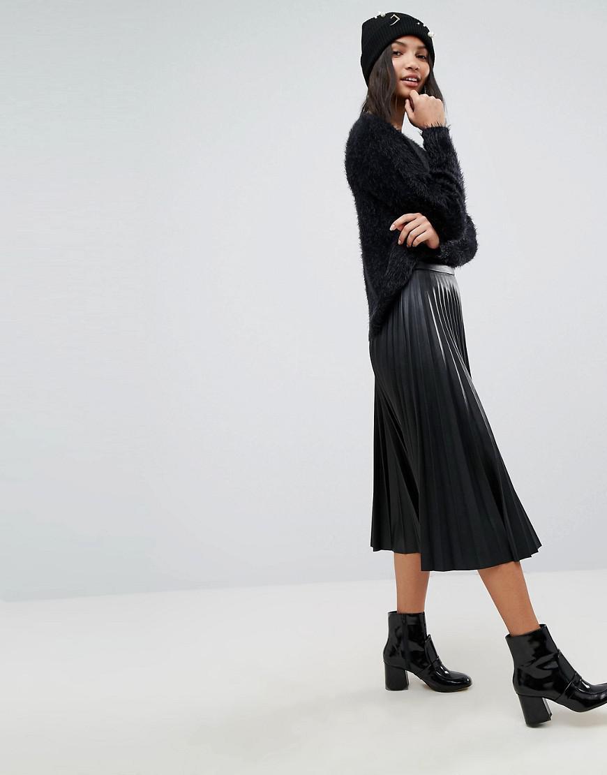 572df77542 Stradivarius Leather Look Pleat Midi Skirt in Black - Lyst