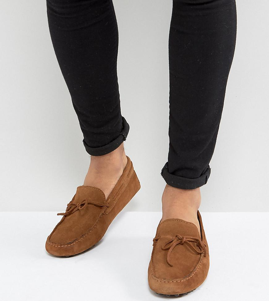 ASOS Wide Fit Driving Shoes In Suede With Brown Leather Detail xmQg0