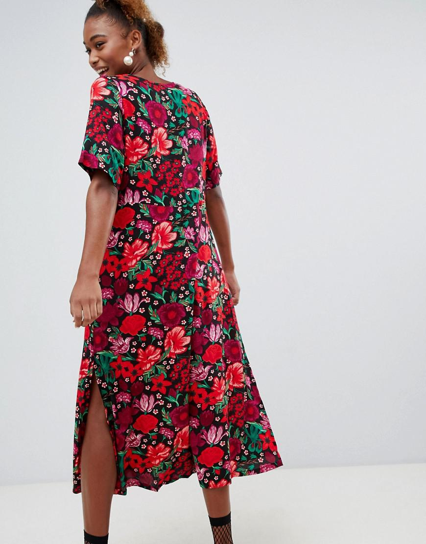 0b9b100fc8 Lyst - Monki Short Sleeve Button Through Flower Print Midi Dress in Red