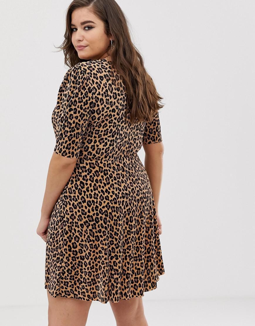 a454d7c24e0a ASOS Asos Design Curve Leopard Print Plisse Mini Dress With Button Detail  in Brown - Lyst