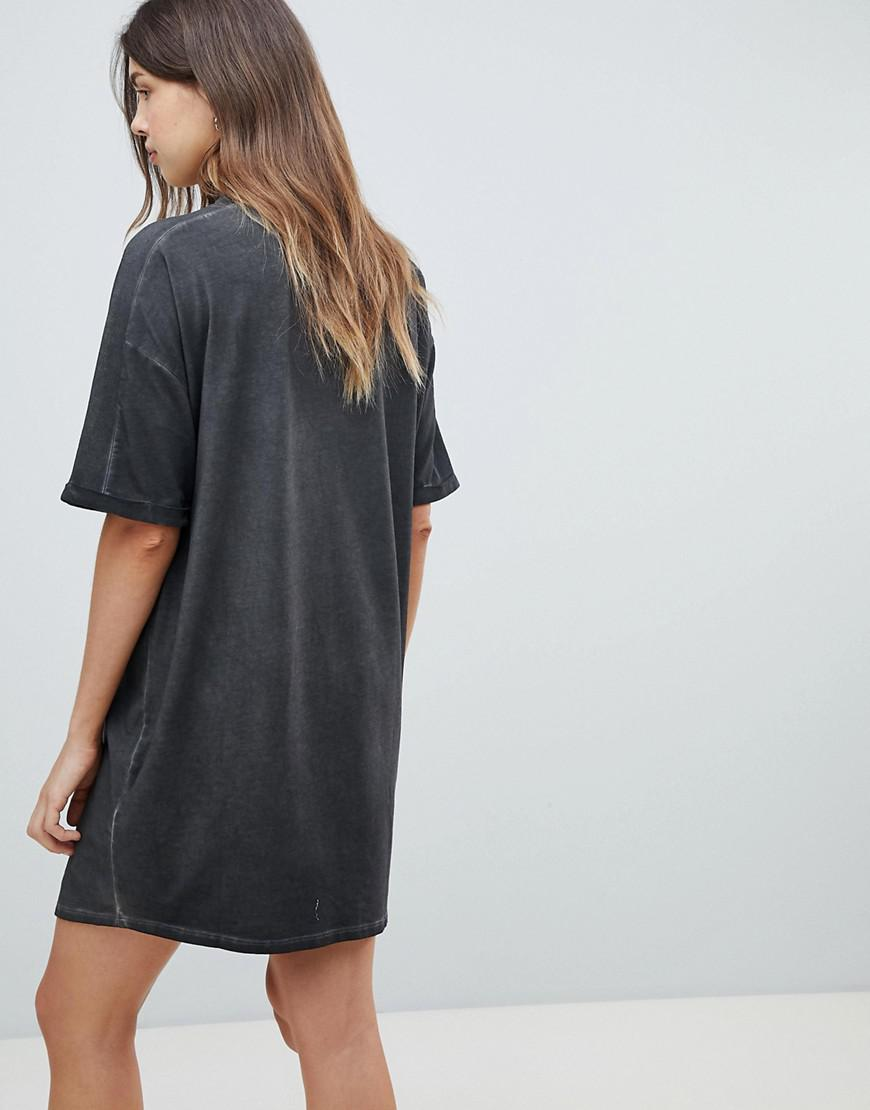 f12b5a3166 Lyst - ASOS Asos Design Maternity T-shirt Dress With Rolled Sleeves And  Wash in Black