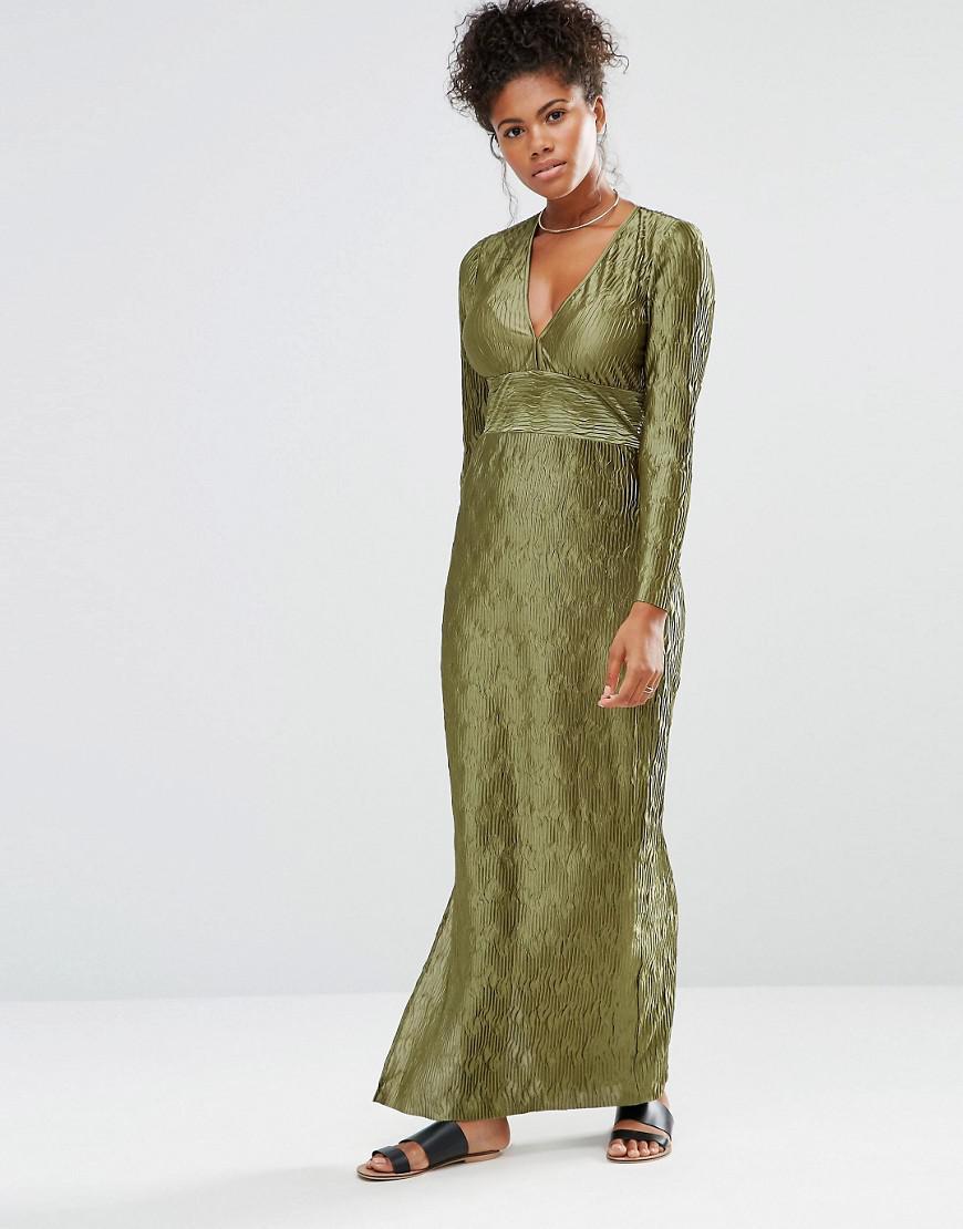 d220d8fb46 Liquorish Maxi Dress With Deep V Neck Long Sleeves And Side Splits ...