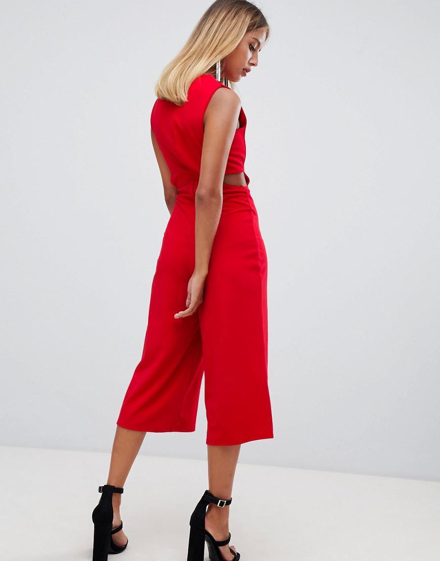 f3568750e6dc4 Lyst - Combinaison style jupe-culotte dcoupes Missguided en coloris Rouge