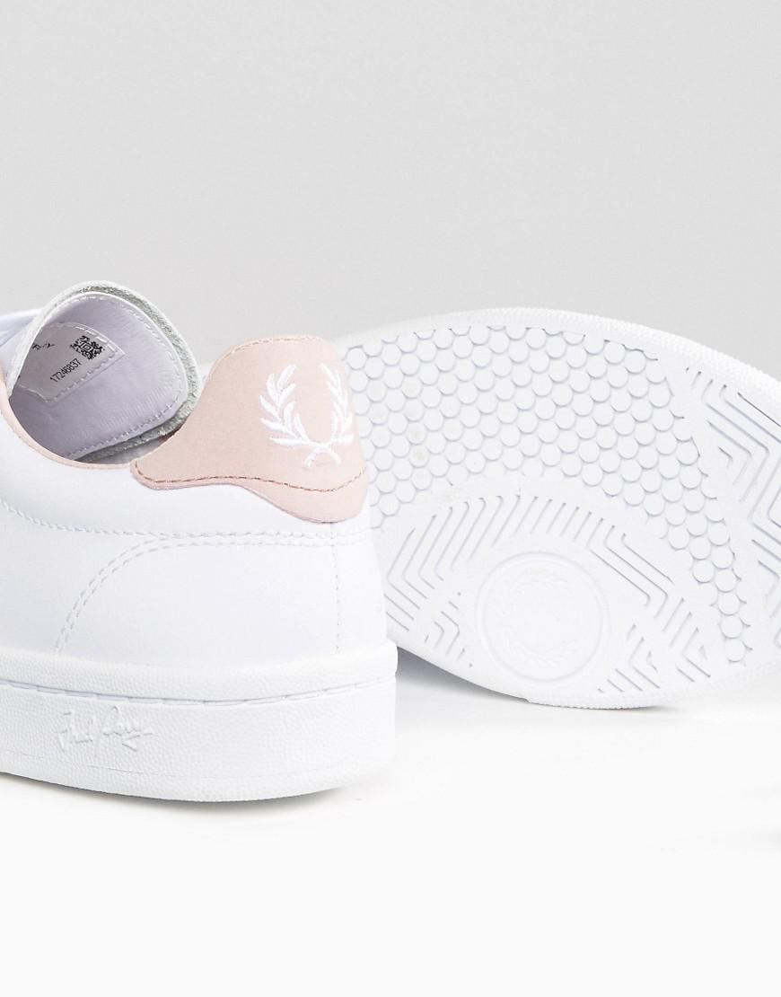 B721 Lace Up Trainer with Perforated Detail - White gold Fred Perry zMfJNKbT