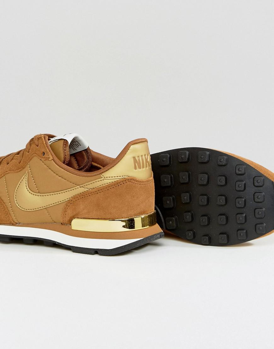 Internationalist Trainers In Mushroom With Metallic Trim - Brown Nike LA8OUyIX