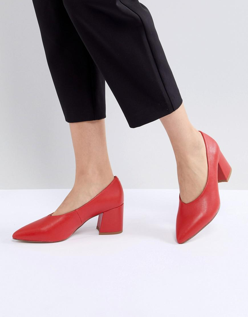 Matt & Nat Sibyl V Cut Block Heeled Point Shoe vJoCPn