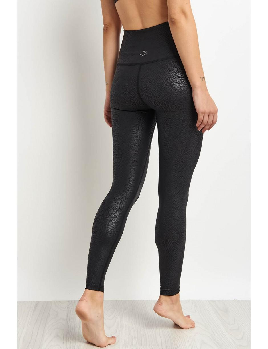 b7eb4ae39ab73 Beyond Yoga Viper High Waisted Midi-Legging in Black - Lyst