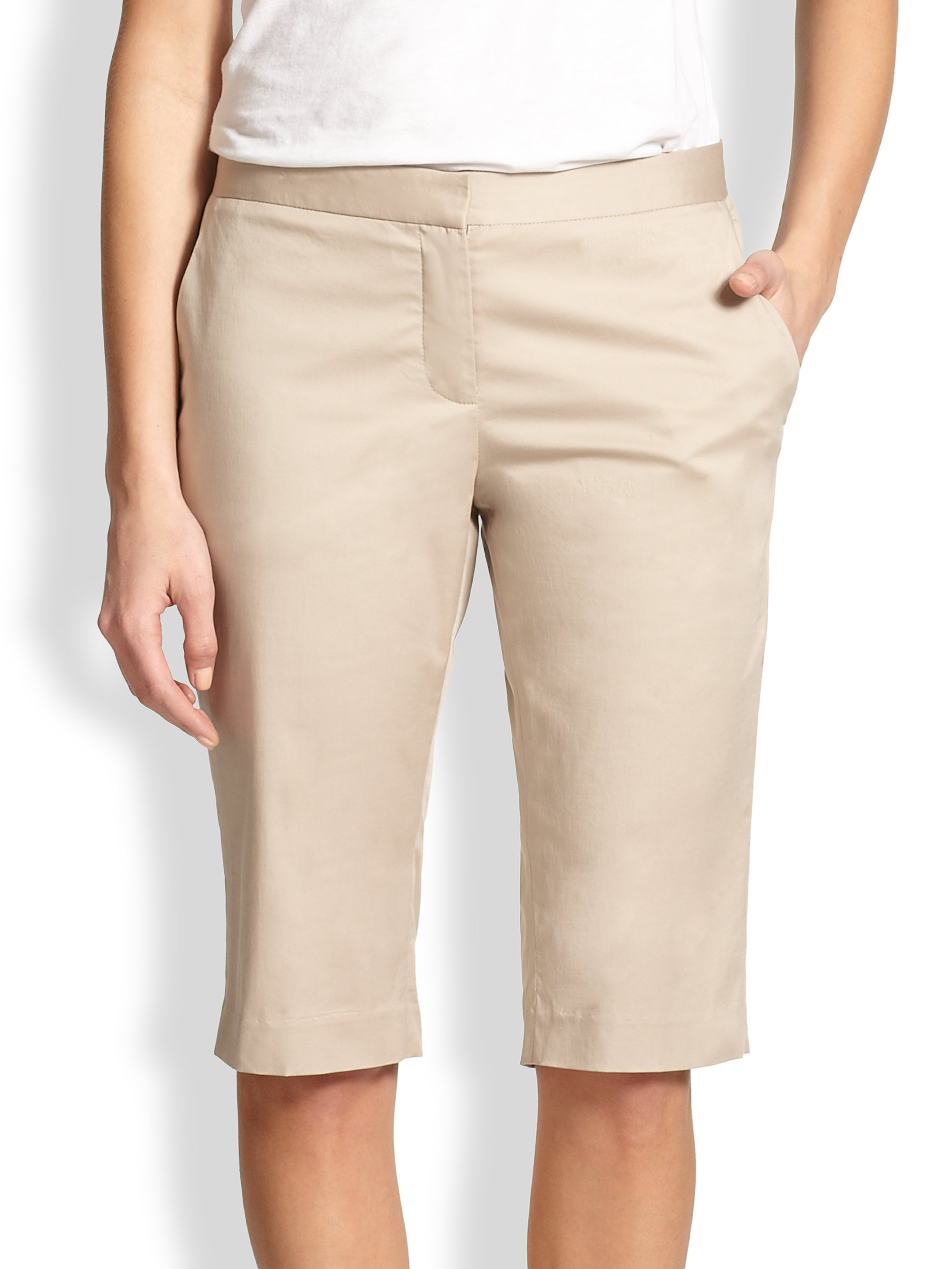 Theory Jitney Stretch Cotton Bermuda Shorts in Natural | Lyst