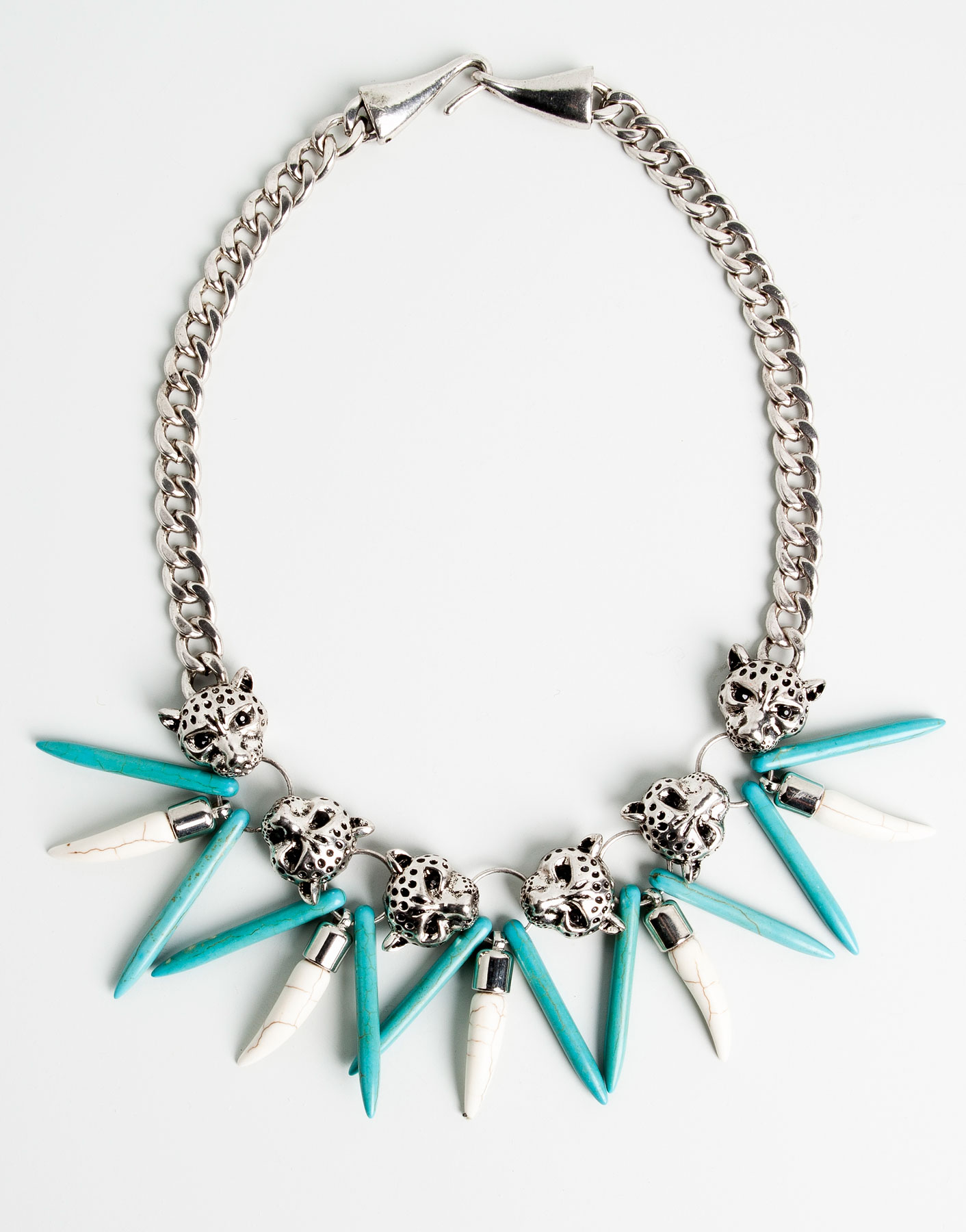pull tiger and turquoise fang necklace in blue