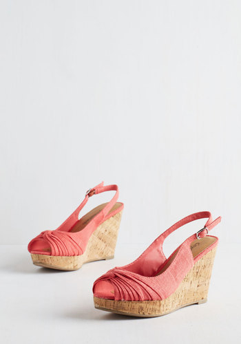 Fortune Dynamic All In Good Fundamentals Wedge In Coral In