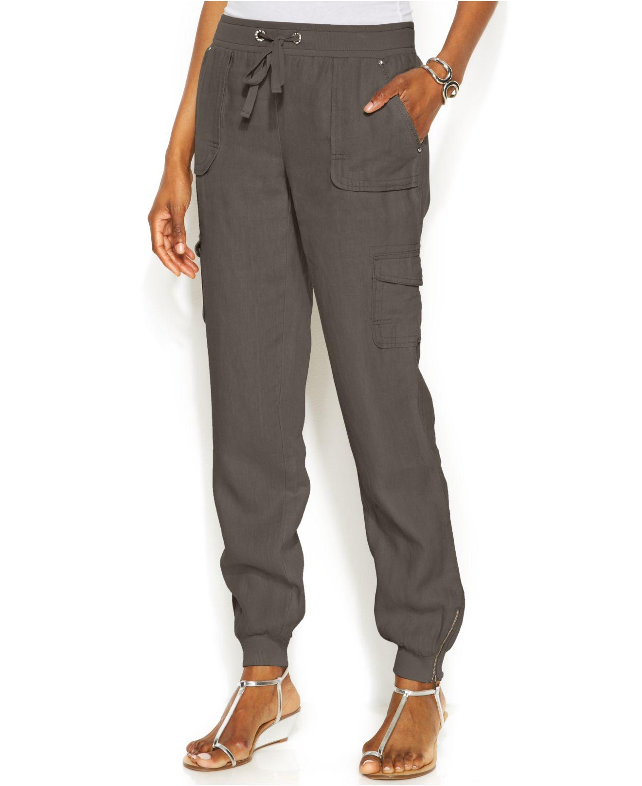 Diane von Furstenberg Pleat Front Flare Stretch Linen Blend Pants.