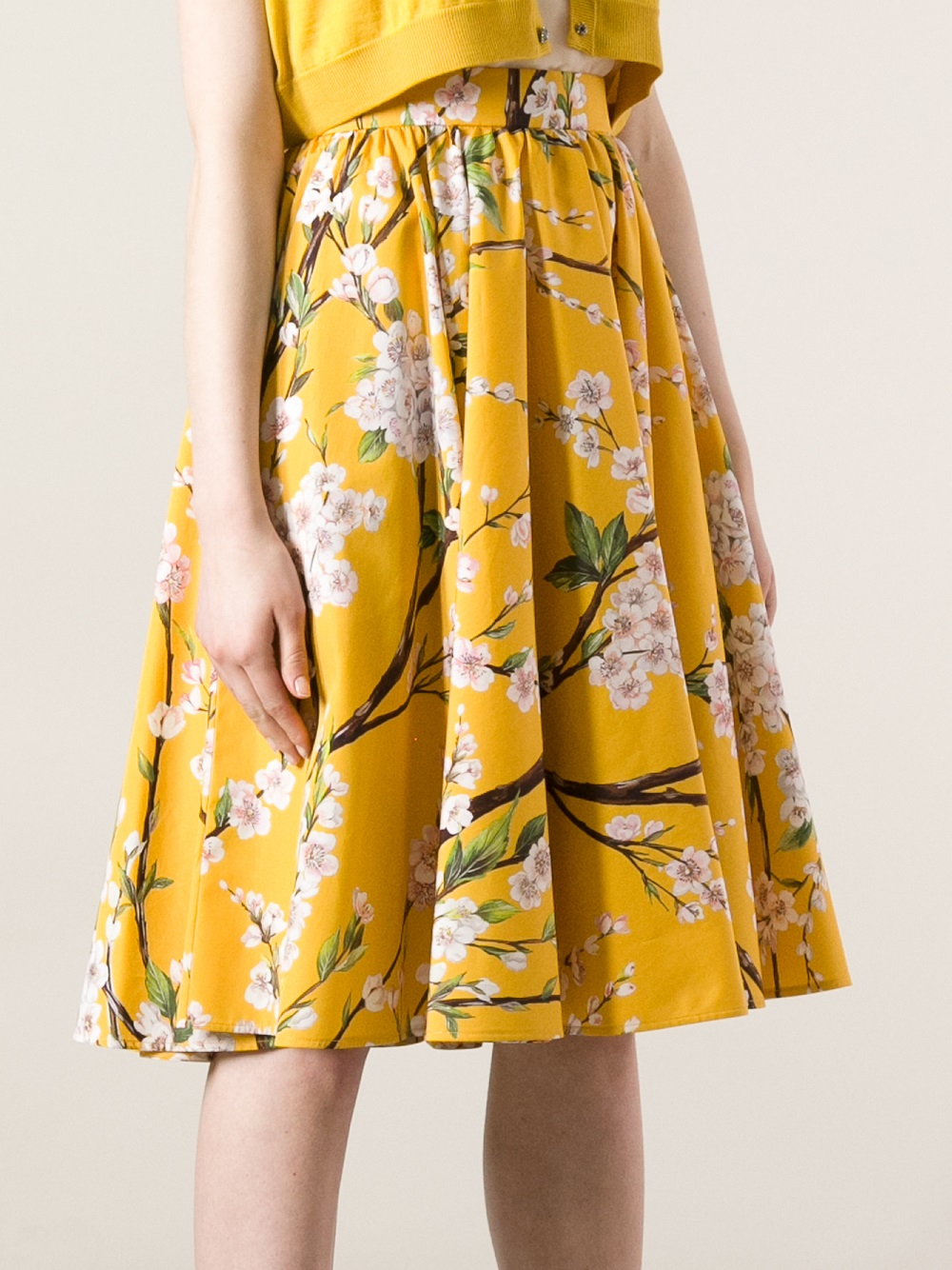 Lyst Dolce Amp Gabbana Pleated Floral Skirt In Yellow