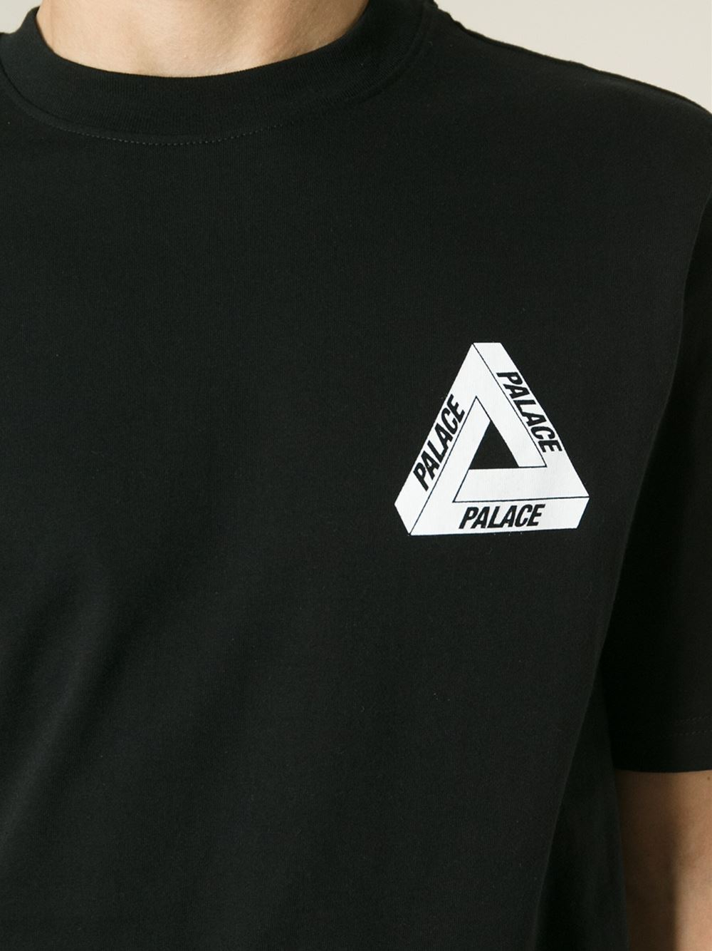 Palace Logo T-Shirt in Black for Men | Lyst