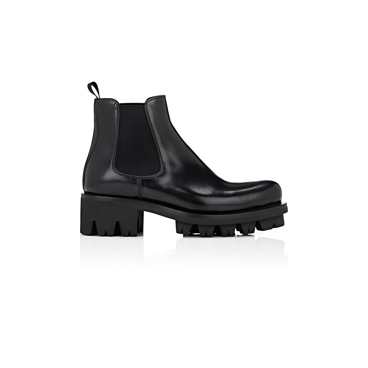 5a466a1617bf Lyst - Prada Lug in Black